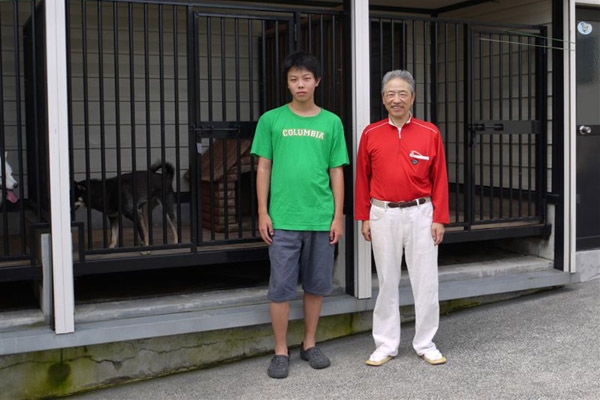 お孫さんと関川氏
